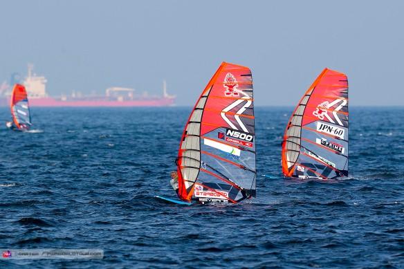 K16_sl_Brodholt_Flying.jpg